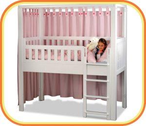 das Kinderbett LISTOflex, aufgebaut als halbhohes Hochbett für Kinder ab 4 Jahren / SALTO - Möbel für Kinder / München
